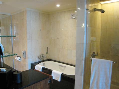 mandarin oriental bathroom mandarin oriental singapore hotel review travelsort