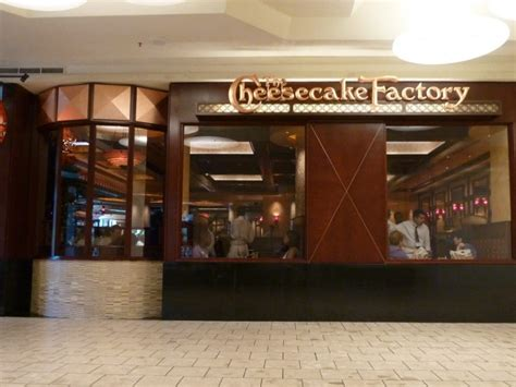 cheesecake factory opens at mall today