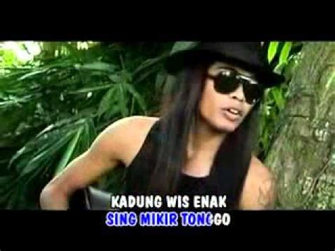 download mp3 jathilan edan turun banyuwangi edan turun reny farida mp3 download stafaband