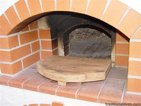 temperature  brick wood pizza oven hot wood burning