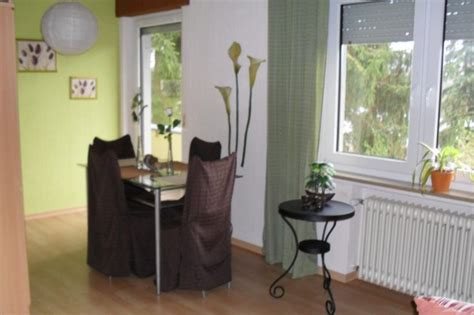 rote stühle esszimmer wohnzimmer in braun