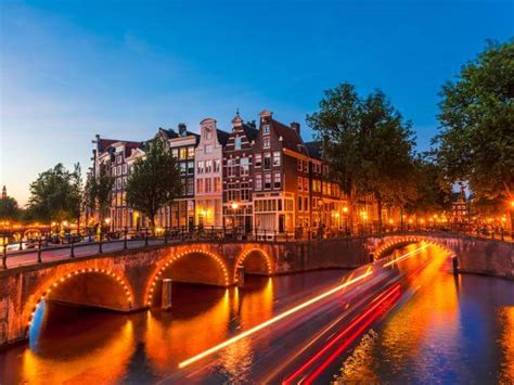 cheap flights to amsterdam from 163 34 book trips to amsterdam netherlands with opodo