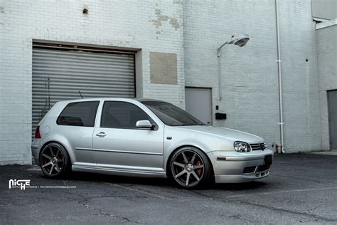 volkswagen gti wheels drop it with this volkswagen gti and niche wheels