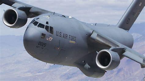 relaxing of big us cargo aircraft during air refueling c 17 globemaster kc 135