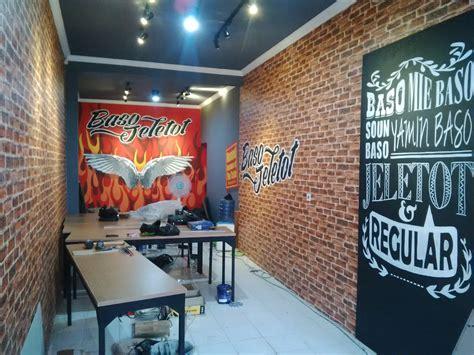 desain dinding cafe hitam putih desainid