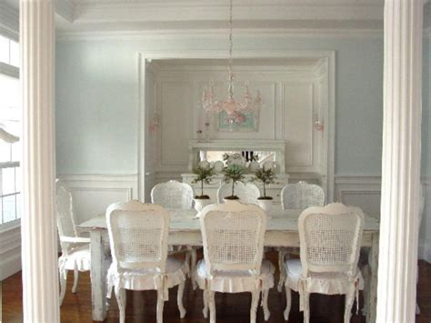 what is a dining room article le shabby chic