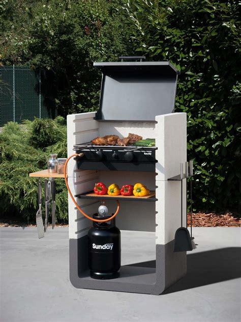 barbecue terrazzo barbecue con tante forme e accessori cose di casa
