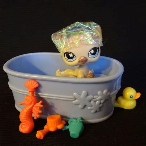 Lps Bathroom Set Littlest Pet Shop 664 Siamese Cat Plum Lps Hasbro 2006 Bath Set Littlest Pet Shop Hasbro