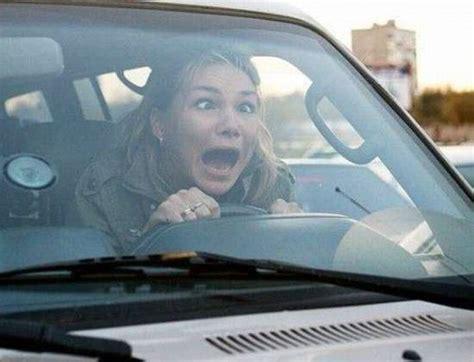 al volant donne al volante di fuoristrada una lite rischia di