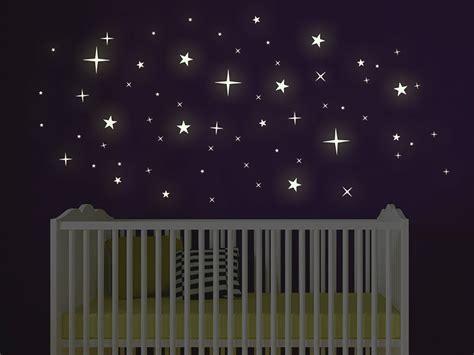 wandtattoo kinderzimmer leuchtend wandtattoo leuchtende sterne leuchtfolie wandtattoos de