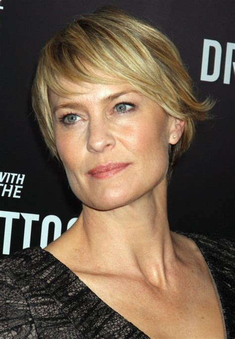 robin wright haircut robin wright at 47 with her new short hair cut looks way