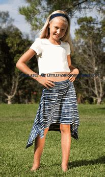 7 Tops For Tweens by Ragdoll Rockets 2pc Cropped Top Navy Stripe Twirl