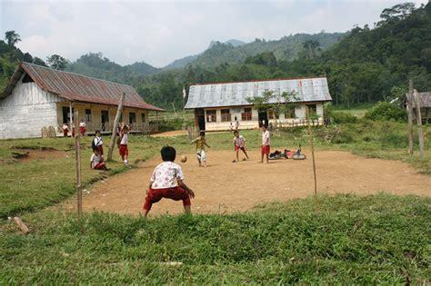 Lu Led Bentuk Bola Sepak olahraga yang sering dilakukan anak sd hello