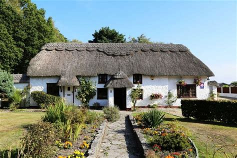 Dorset Cottages For Sale by 9 Bedroom Cottage For Sale In Thatch Cottage Guest House Three Legged Cross Wimborne Dorset Bh21