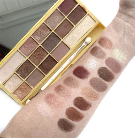 Chocolate And Palette makeup revolution chocolate palettes review swatches