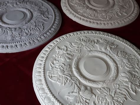 Flower Pattern On Ceiling | plaster ceiling rose with flower pattern