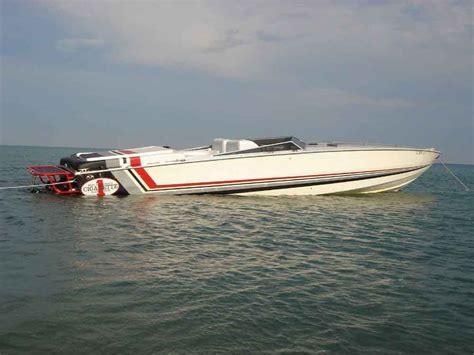 cigarette boat old cigarette cafe racer old school google search boat
