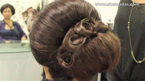 hairstylevido in 60s beehive hairstyle on short hair back combed big hair