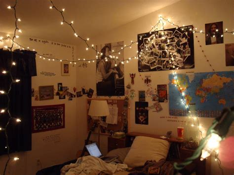 small bedroom spaces decoration with hanging string lights