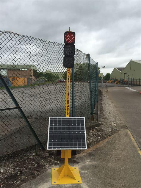 solar traffic light two way solar powered wireless traffic light system