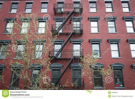 small brick apartment building www imgkid the