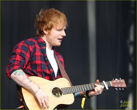 cara bermain gitar thinking out loud ed sheeran katy b play bbc radio 1 s big weekend photo