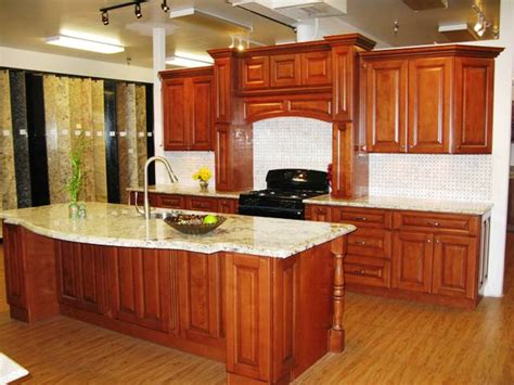 Cer Cabinets by Mocca Maple Glazed Kitchen Cabinets