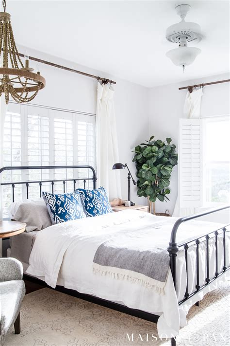 simple master bedroom decorating ideas for maison