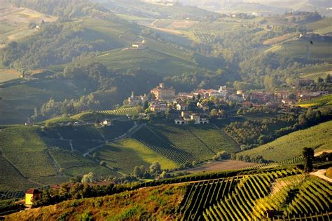 www piemonte walking holidays piedmont barolo wine region celtic trails