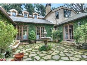flagstone patio with walking moss ideas for the home