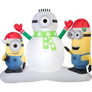 Disney despicable me minions making snowman christmas