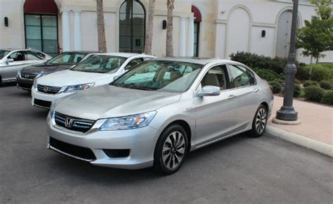 Best Fuel Economy Hybrid Cars by Top 5 Most Fuel Efficient Hybrid Cars