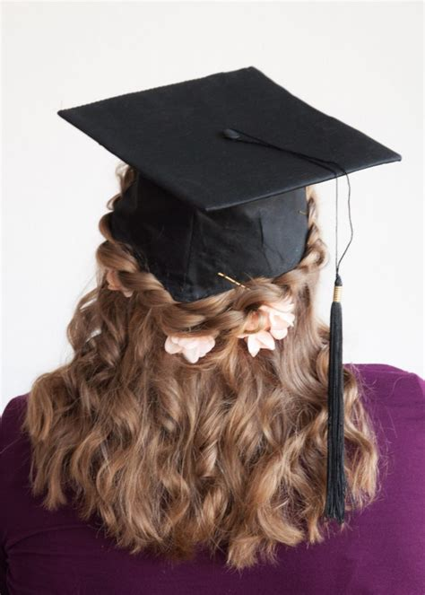 35 Graduation Hairstyles (and 3 Hair Hacks to Achieve Them)   College Compass