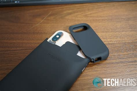 mophie juice pack access review an excellent battery for iphone xs max
