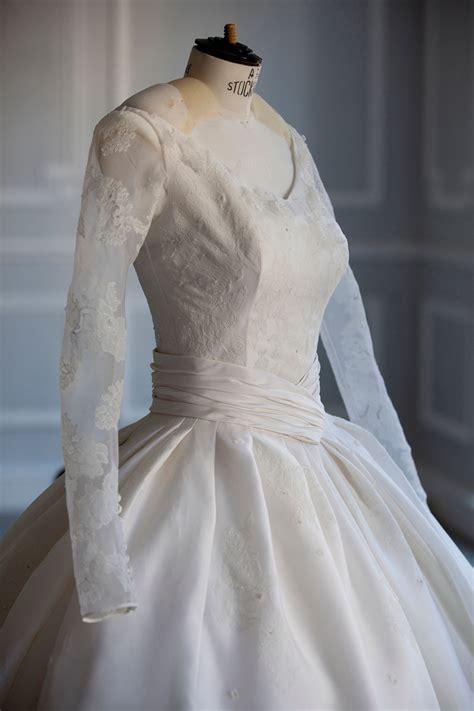 angelababy wedding dress photos see angelababy gown