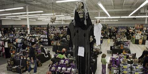 rent costumes   york  halloween
