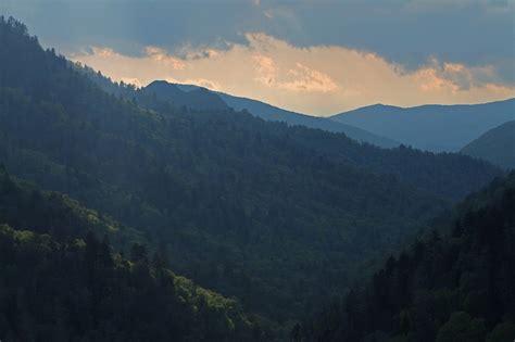 Great Smoky Mountain Getaways Amazing Leprechaun Cabin Specials At Alpine Mountain Chalets