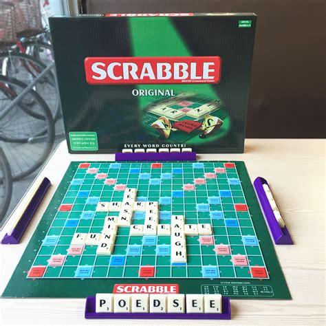 scrabble oe scrabble board learning spelling crossword