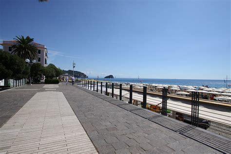 residence il porto spotorno a due passi dal centro di spotorno residenza al porto