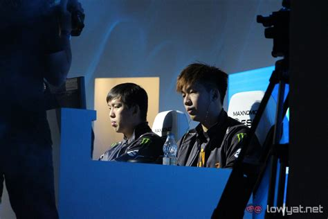 esl one genting esl one genting day one both malaysian teams fall into