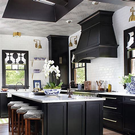 fabulous    showhouse kitchen traditional home
