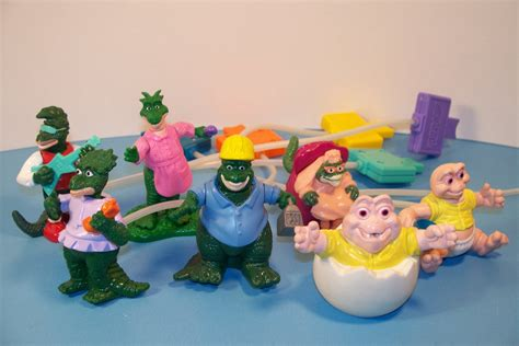 Mainan Figure Anak Fast Food Toys 2 1992 mcdonald s dinosaurs dino motion set of 7 happy meal kid s s review