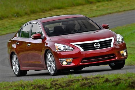 nissan altima 2015 2015 nissan altima starts at 23 110 automobile magazine