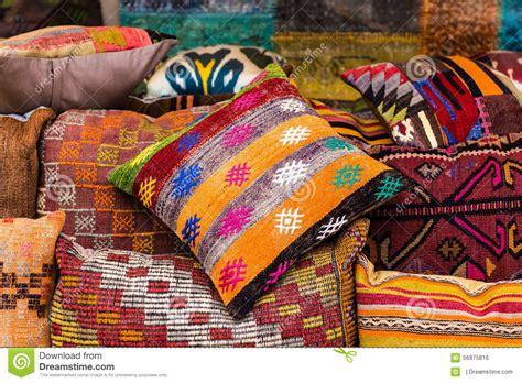 cuscini orientali cuscini orientali fotografia stock immagine 56975816