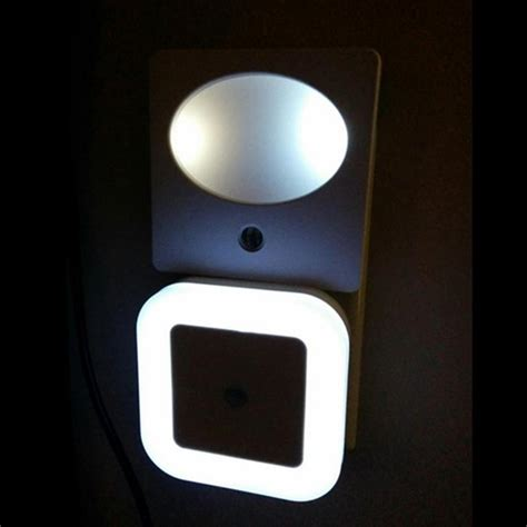 2018 Smart Control Light Sensor Led Night Light Plug In Wall As Guide Light For Finding Way In