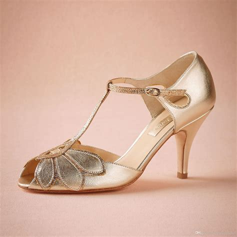 Gold Heels For Wedding by Vintage Gold Wedding Shoes Pumps Kitten Heel T