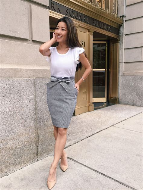 summer business attire for women basic dos and donts what to wear to work in the summer business casual