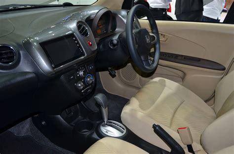 Panel Carbon Honda Brio Mobilio honda presents the amaze sedan with a sporty modulo kit