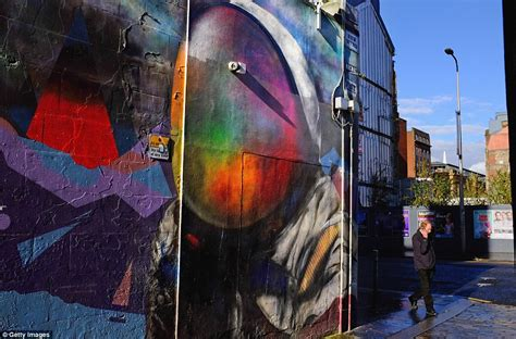 graffiti wallpaper glasgow glasgow graffiti tour with mural trail artwork displayed