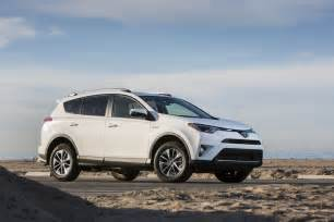 Pictures Of A Toyota Rav4 2016 Toyota Rav4 Hybrid Review And Rating Motor Trend